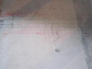 壁の位置を決める墨出し。とても重要です。
